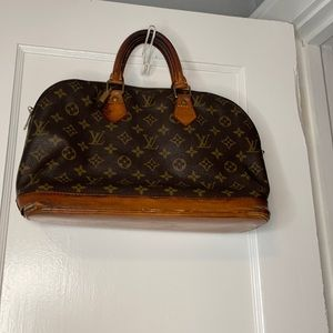 Louis Vuitton Alma Bag *LOWEST PRICE**